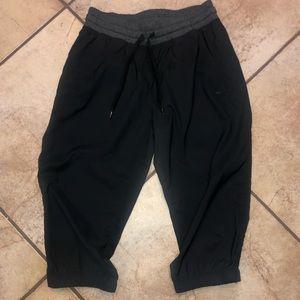 Nike Capri joggers size Small